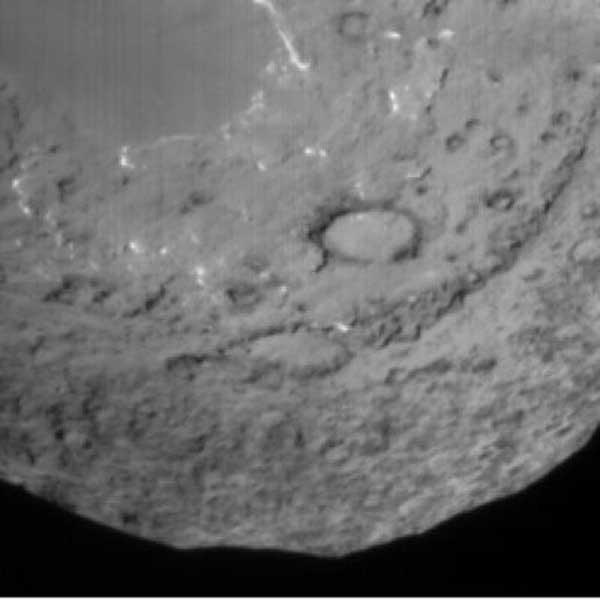 Temple 1 from impactor.  90 seconds before impact.  Image credit NASA/JPL/UMD.