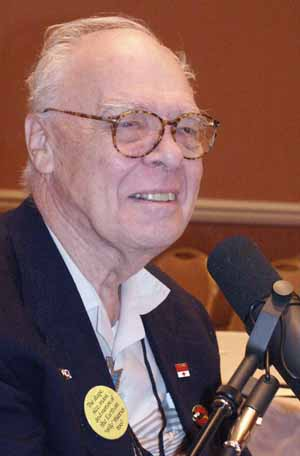 Hal Clement during his Hour 25 interview.  Picture Copyright © 2002 by Suzanne Gibson.  All Rights Reserved.