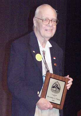 Hal Clement accepting the first fandom award for Sir Arthur C. Clarke - Copyright © 2002, Suzanne Gibson