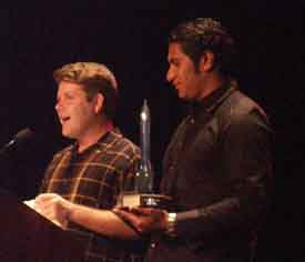Sean Astin and Sala Baker accepting the Hugo for The Lord of the Rings - Copyright © 2002, Suzanne Gibson
